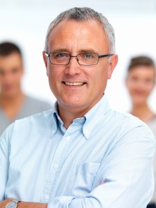 1295787-portrait-of-a-smiling-friendly-casual-guy